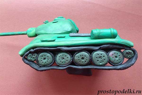 Танк Т-34 из пластилина-18
