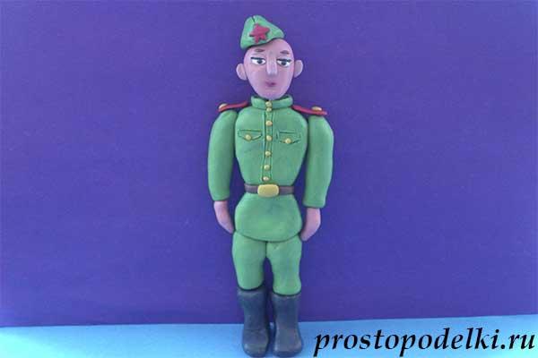 Солдат из пластилина-title