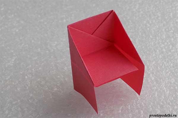 Стул из бумаги-12