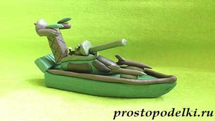 Военный катер из пластилина