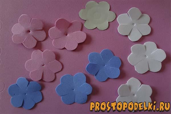 Zakolki-s-rozami-iz-foamirama-01 Заколки из фоамирана: цветы своими руками, фото и для волос мастер-класс, ободок автомат, МК с розой как сделать
