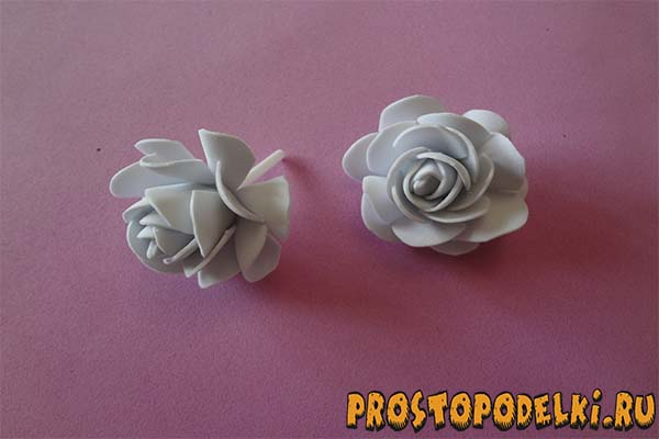 Zakolki-s-rozami-iz-foamirama-06 Заколки из фоамирана: цветы своими руками, фото и для волос мастер-класс, ободок автомат, МК с розой как сделать